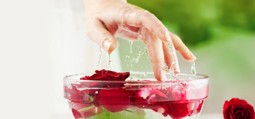 Use rosewater and get the most amazing skin possible